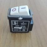 INTERRUTTORE MAGNETOTERMICO UNIPOLARE 0-1 4A 250V MAGTIK MAGIC BTICINO 5204